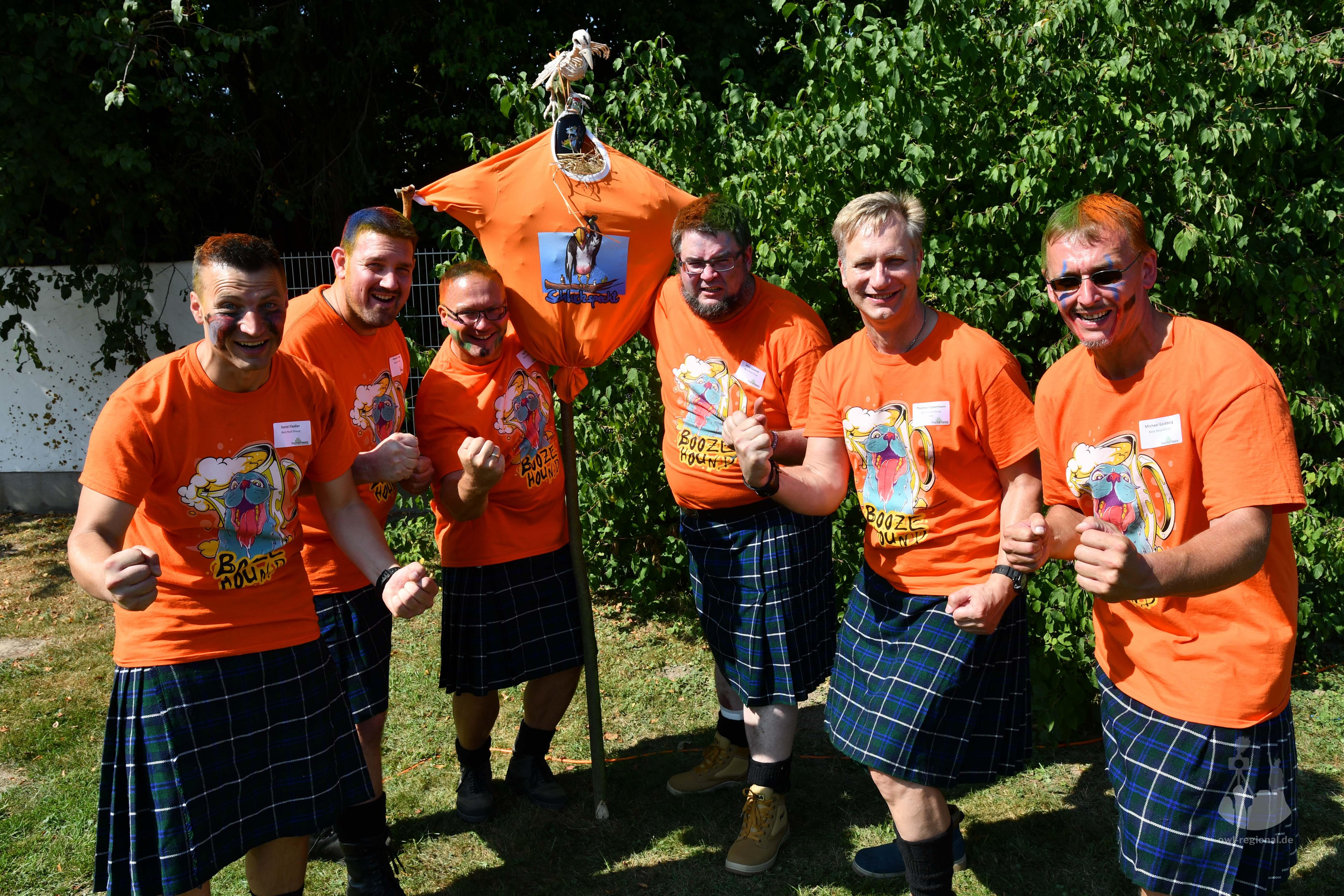 Clan-Foto Booze Hound Group